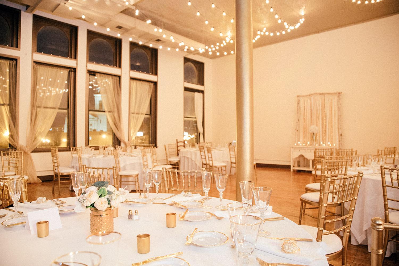 09-Creativo-Loft-victoria-gold-white-wedding