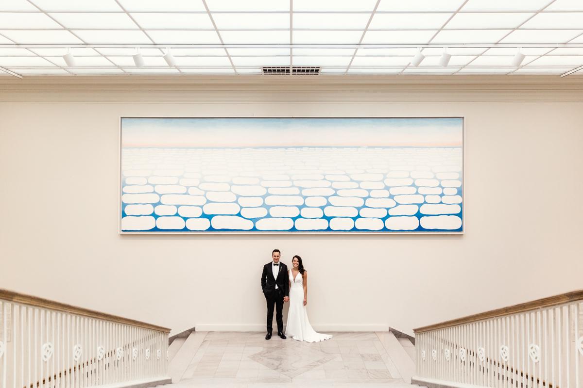 Art-Institute-Chicago-wedding-by-Emma-Mullins-Photography-3