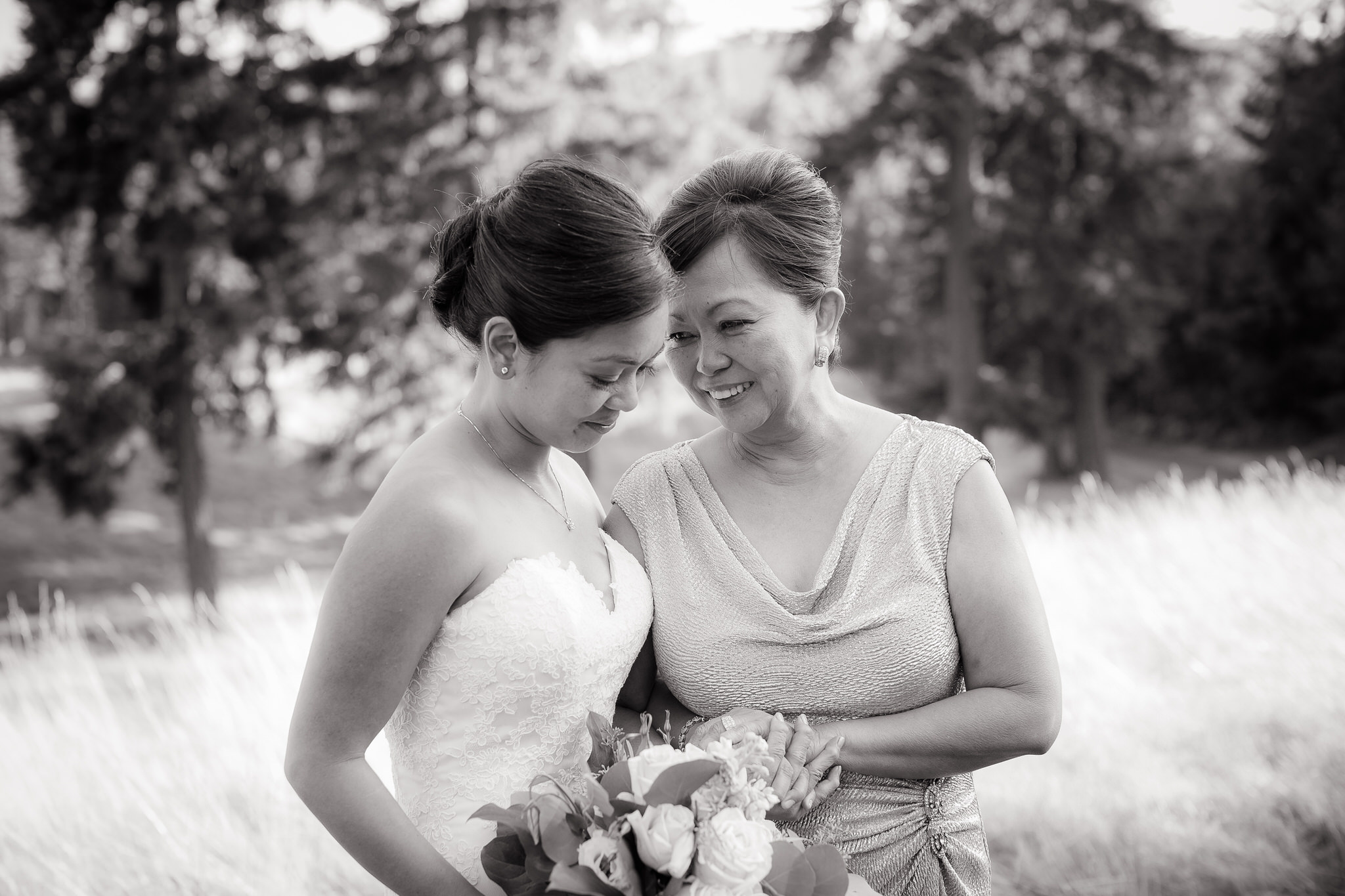 Chicago-Wedding-Photographer-Rebecca-Marie-Photography-Lakeshore-in-Love018