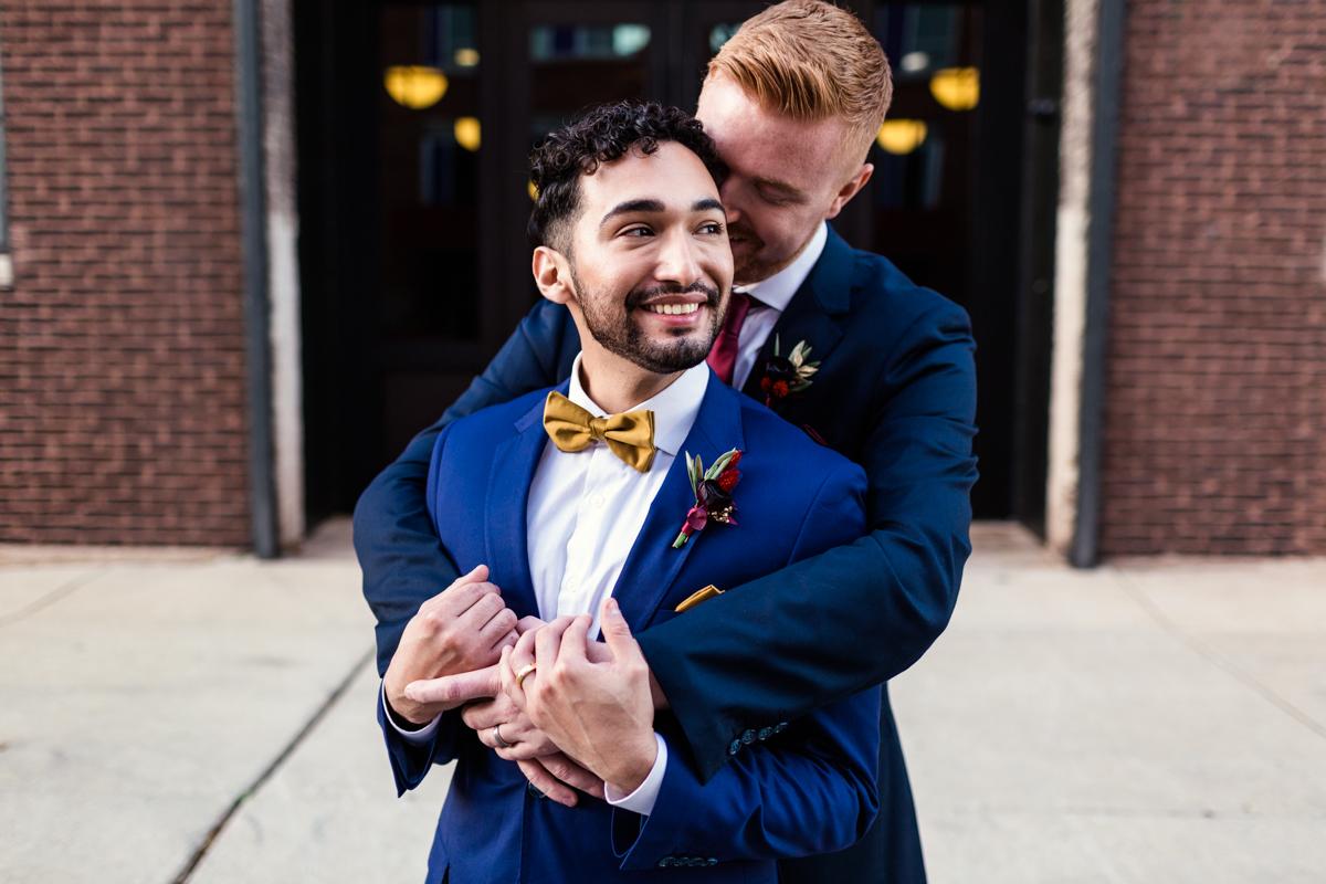 Chicago-loft-LGBTQ-wedding-by-Emma-Mullins-Photography-3