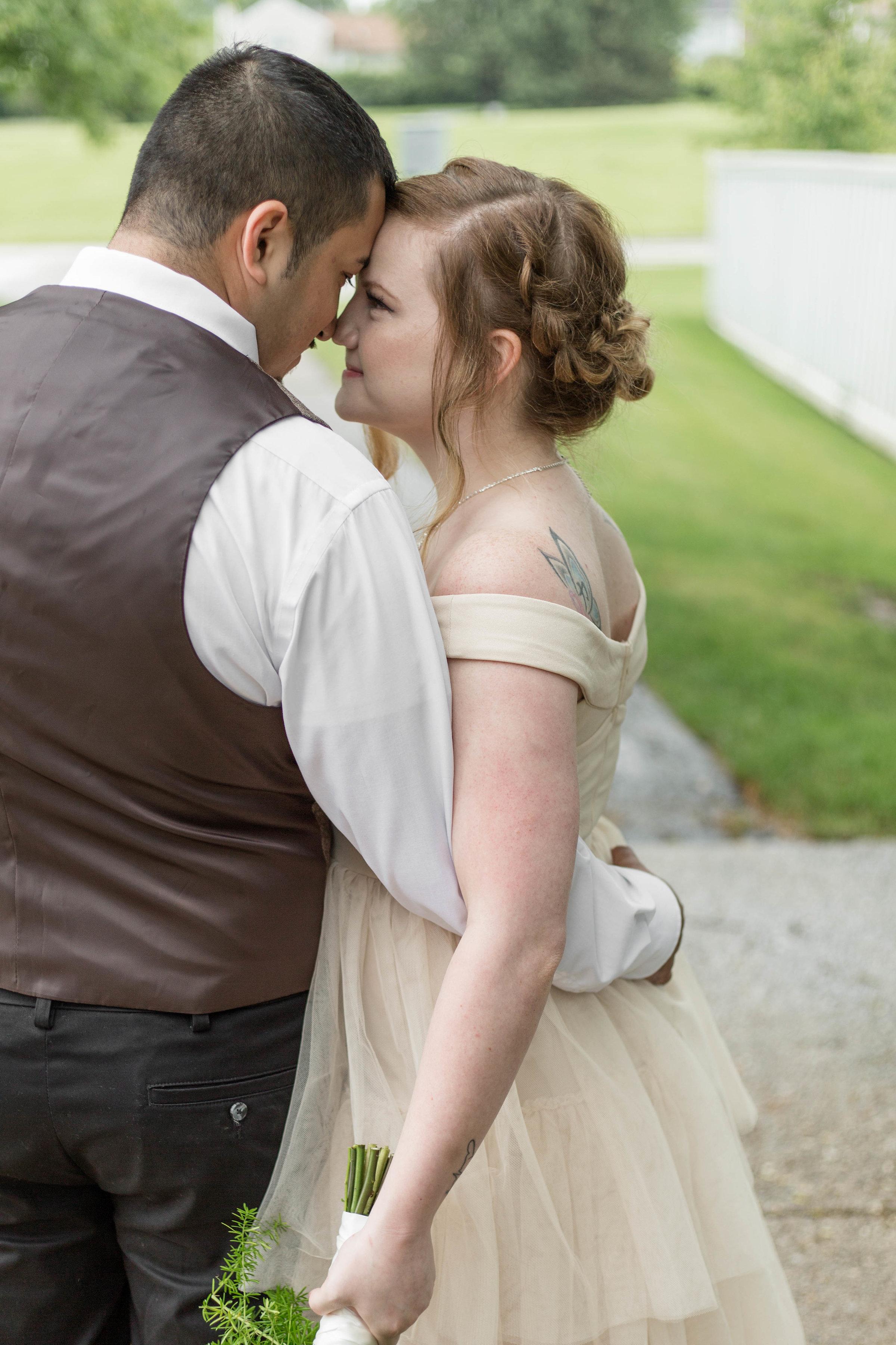 bide hugging groom