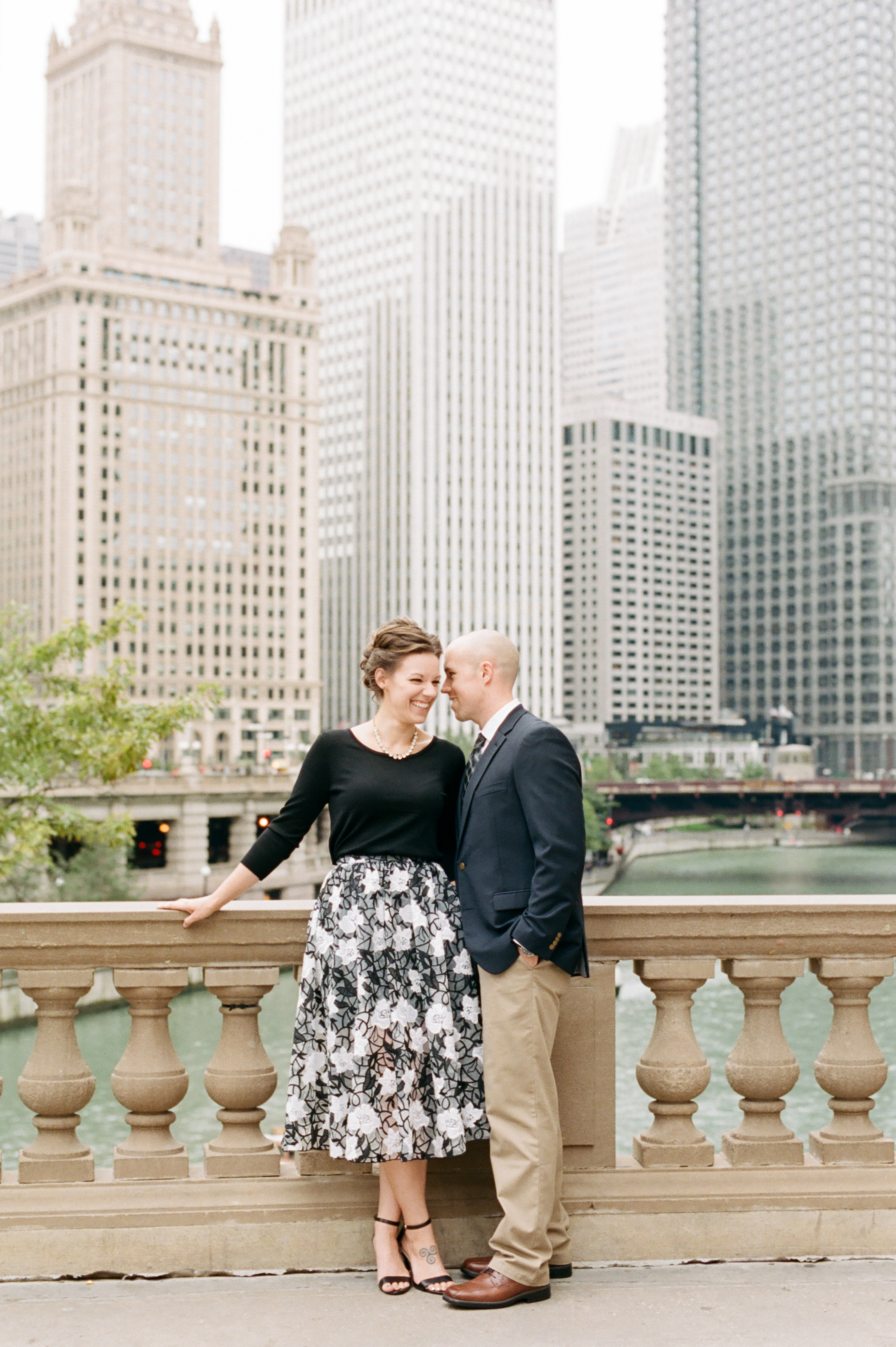 classy-chicago-engagement-photo