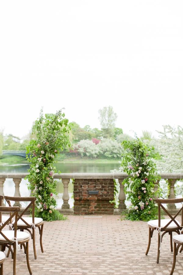 Chicago Botanic Garden Romantic Wedding Inspiration (10)