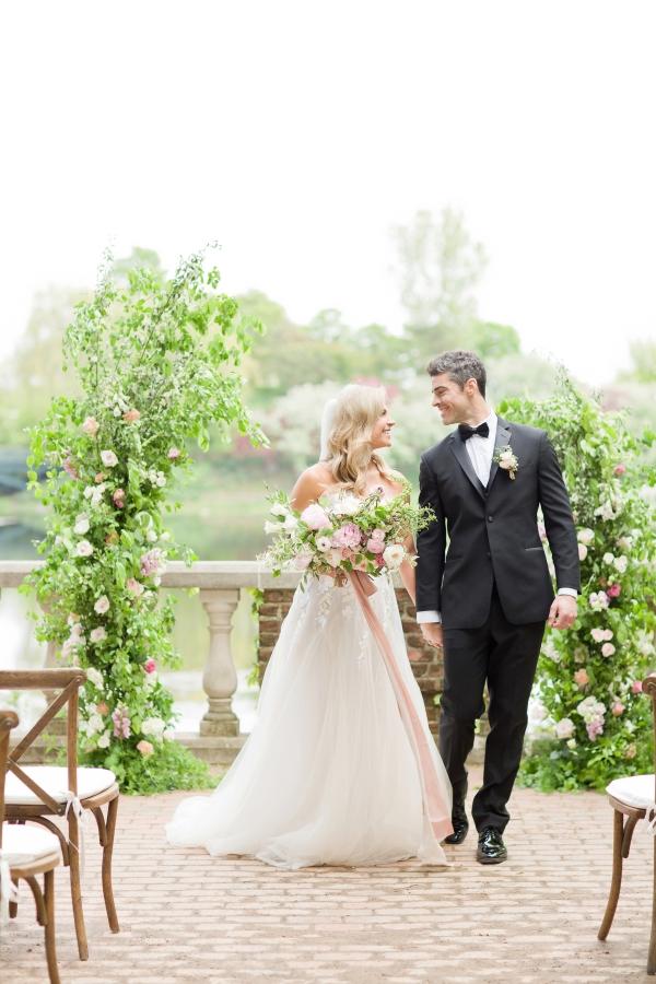 Chicago Botanic Garden Romantic Wedding Inspiration (12)