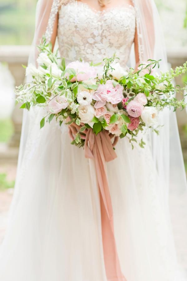 Chicago Botanic Garden Romantic Wedding Inspiration (14)