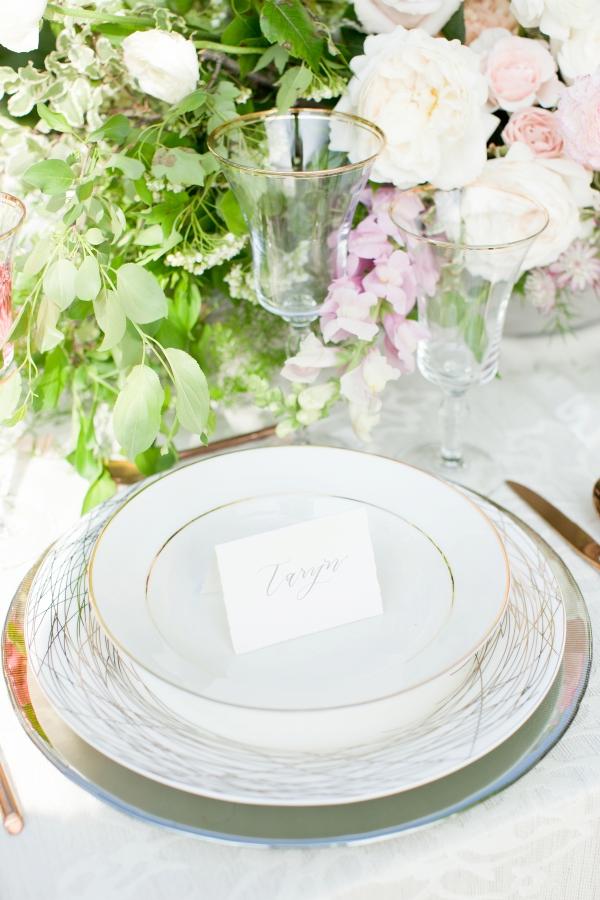 Chicago Botanic Garden Romantic Wedding Inspiration (21)