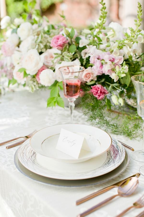 Chicago Botanic Garden Romantic Wedding Inspiration (22)