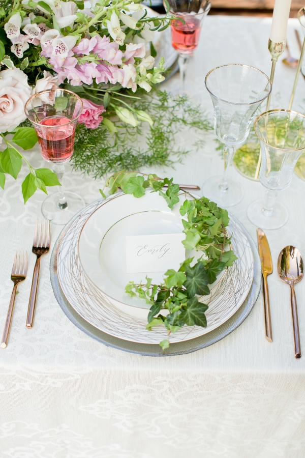 Chicago Botanic Garden Romantic Wedding Inspiration (24)