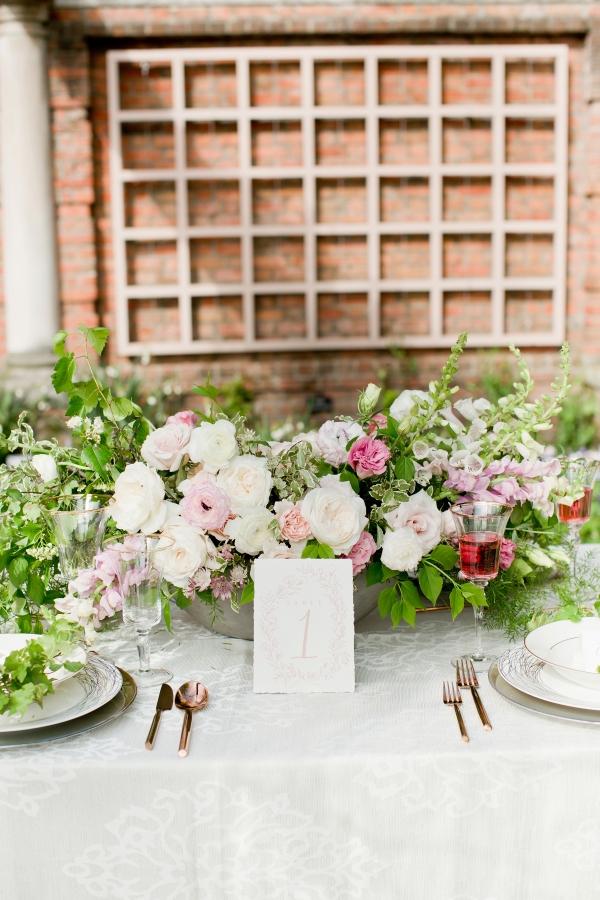 Chicago Botanic Garden Romantic Wedding Inspiration (25)