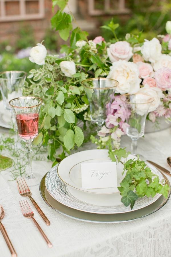 Chicago Botanic Garden Romantic Wedding Inspiration (29)
