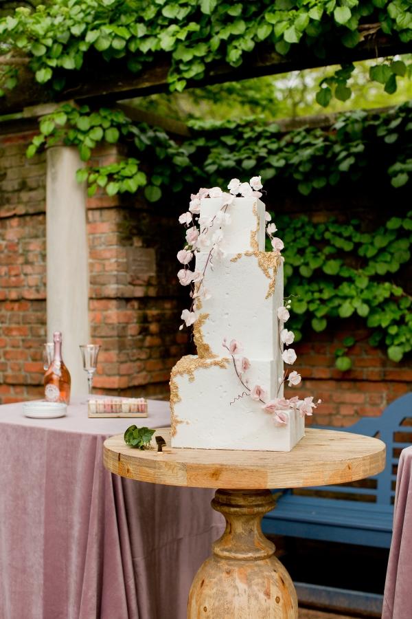 Chicago Botanic Garden Romantic Wedding Inspiration (31)