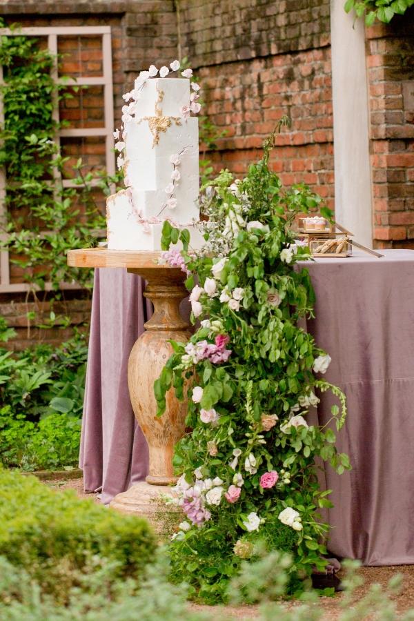 Chicago Botanic Garden Romantic Wedding Inspiration (32)