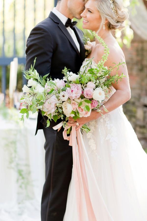 Chicago Botanic Garden Romantic Wedding Inspiration (39)