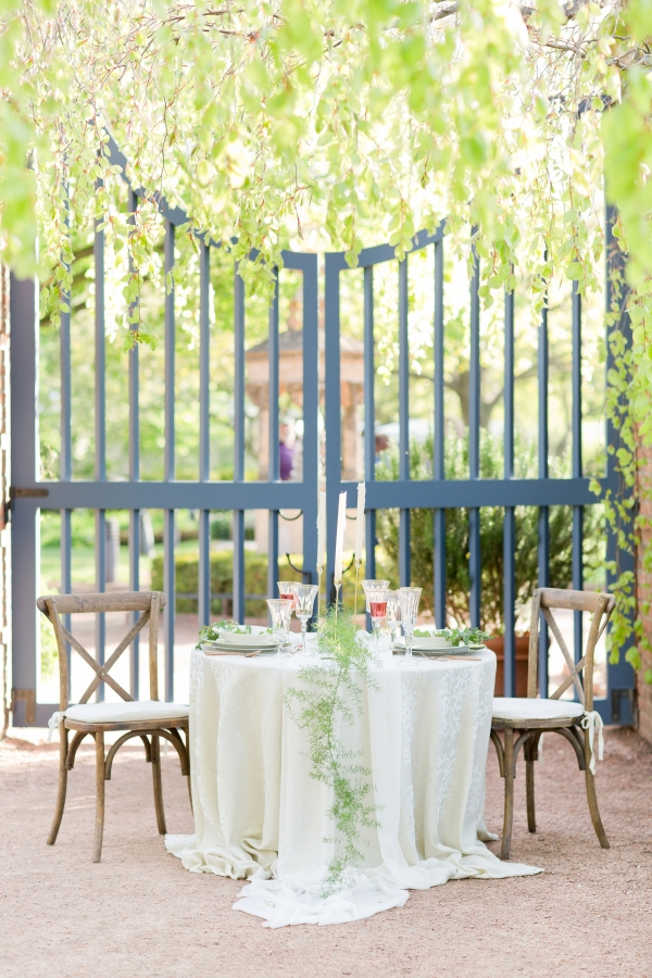Chicago Botanic Garden Romantic Wedding Inspiration (40)