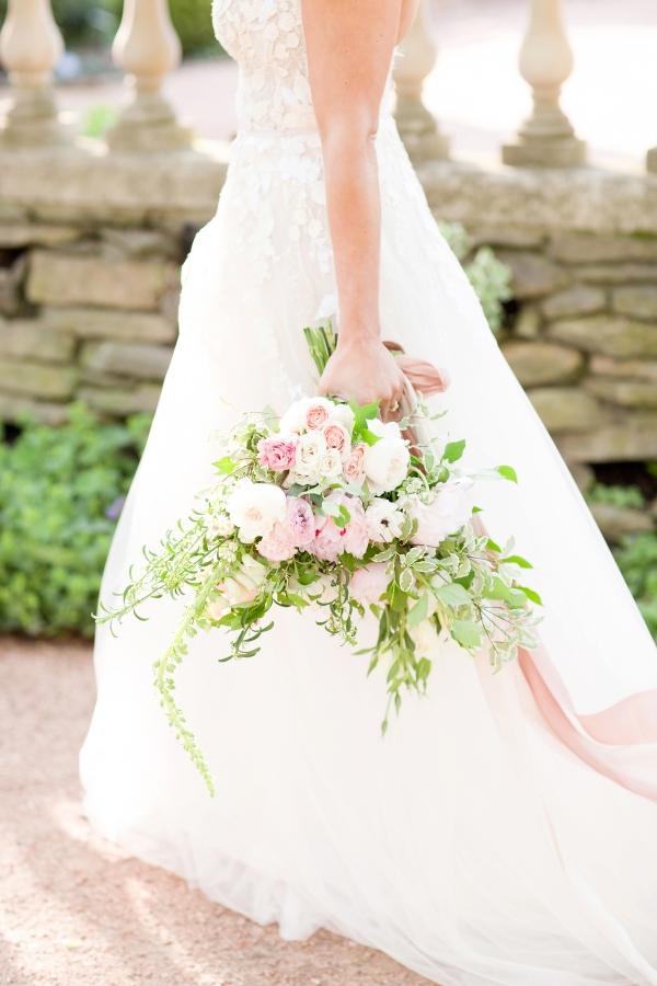 Chicago Botanic Garden Romantic Wedding Inspiration (43)