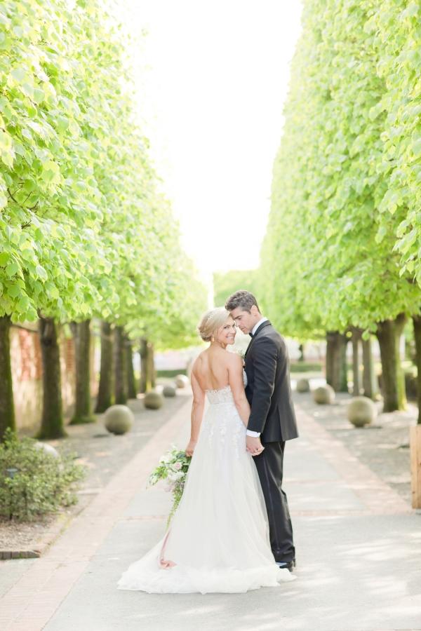 Chicago Botanic Garden Romantic Wedding Inspiration (46)