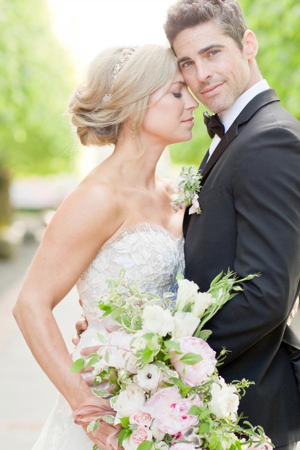 Chicago Botanic Garden Romantic Wedding Inspiration (47)