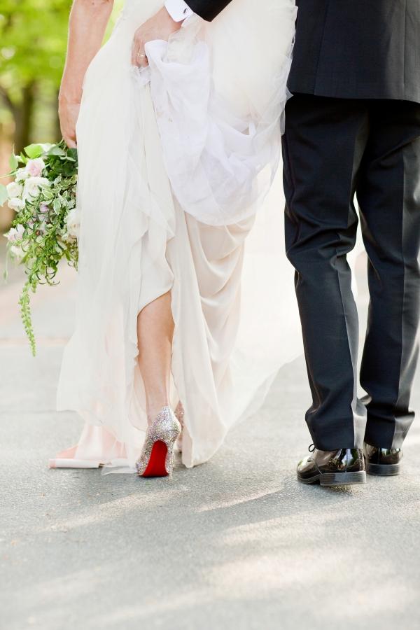 Chicago Botanic Garden Romantic Wedding Inspiration (48)