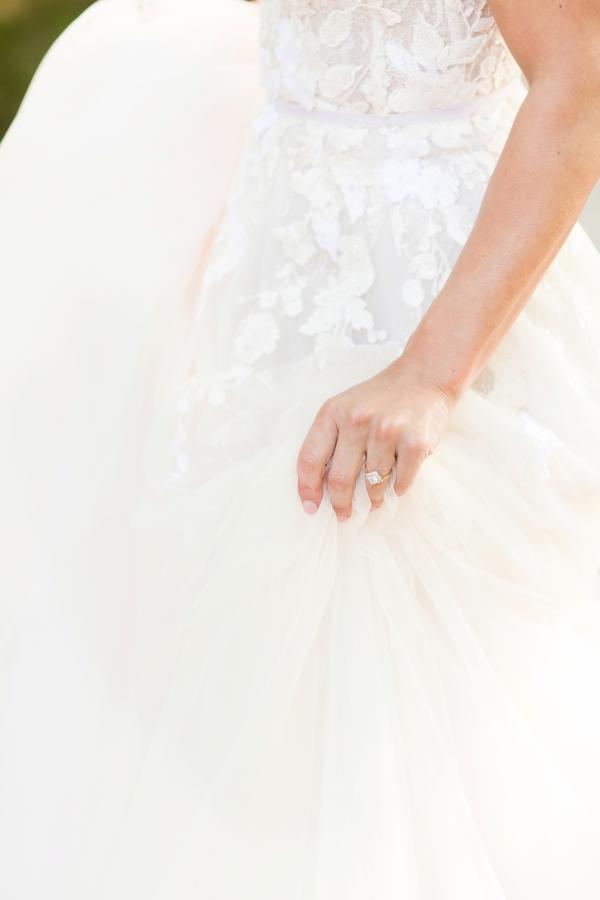 Chicago Botanic Garden Romantic Wedding Inspiration (49)