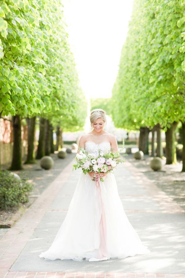 Chicago Botanic Garden Romantic Wedding Inspiration (51)