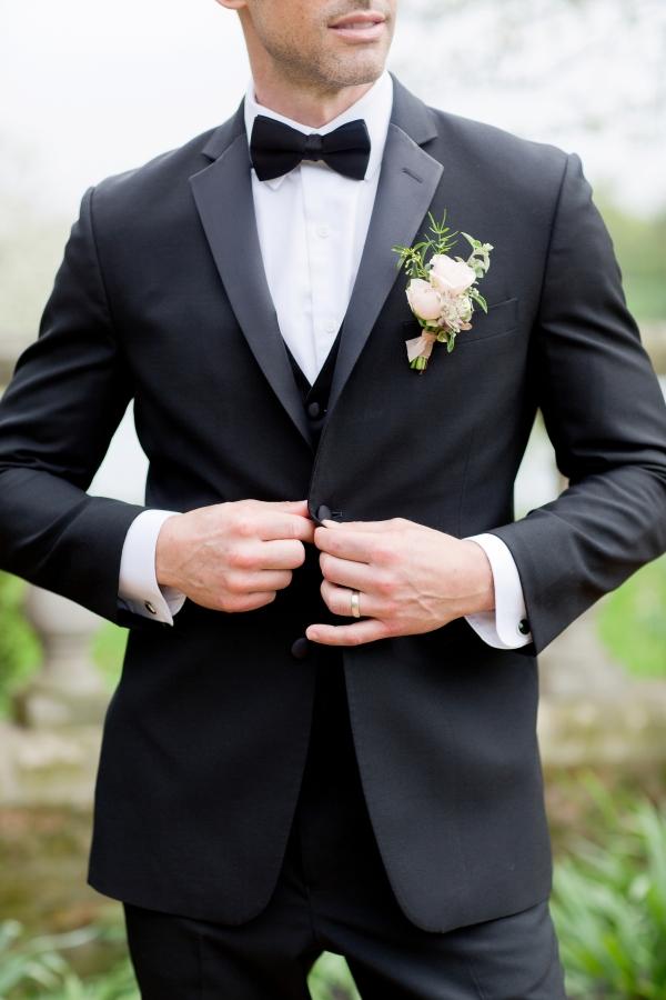 Chicago Botanic Garden Romantic Wedding Inspiration (8)