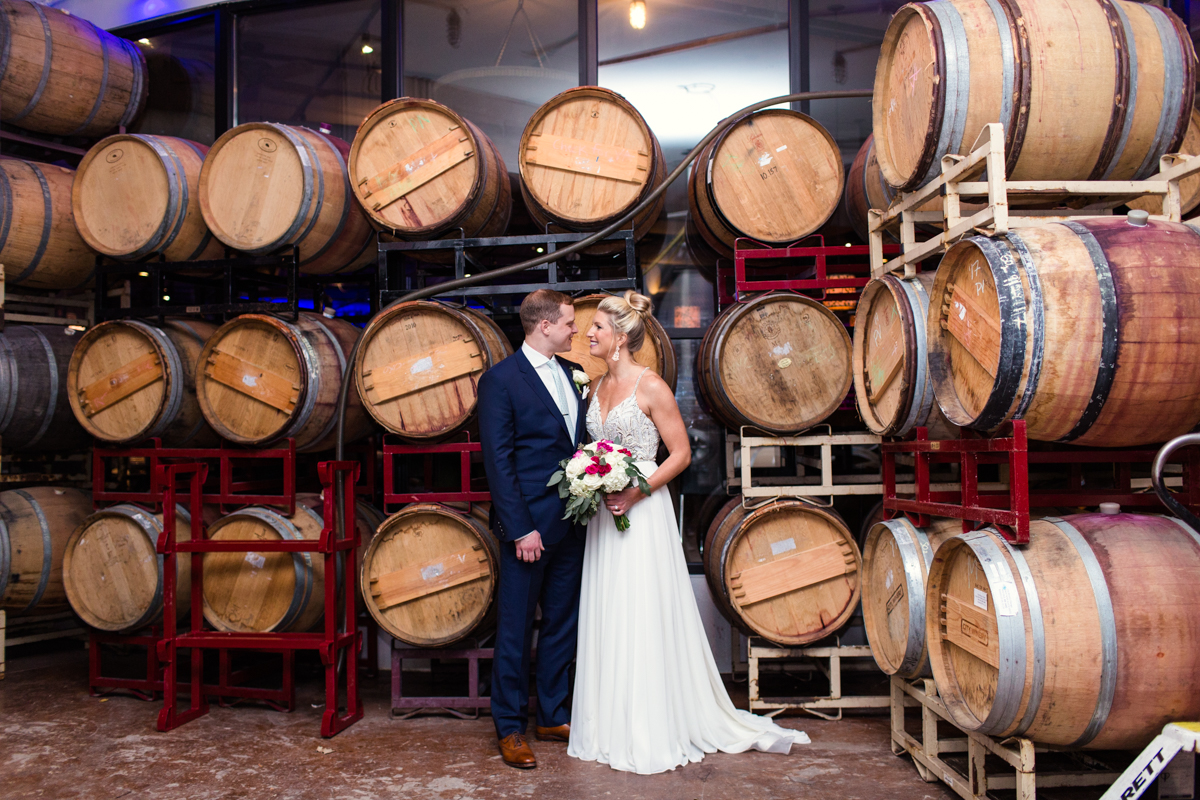 City-Winery-Chicago-wedding-by-Emma-Mullins-Photography-39