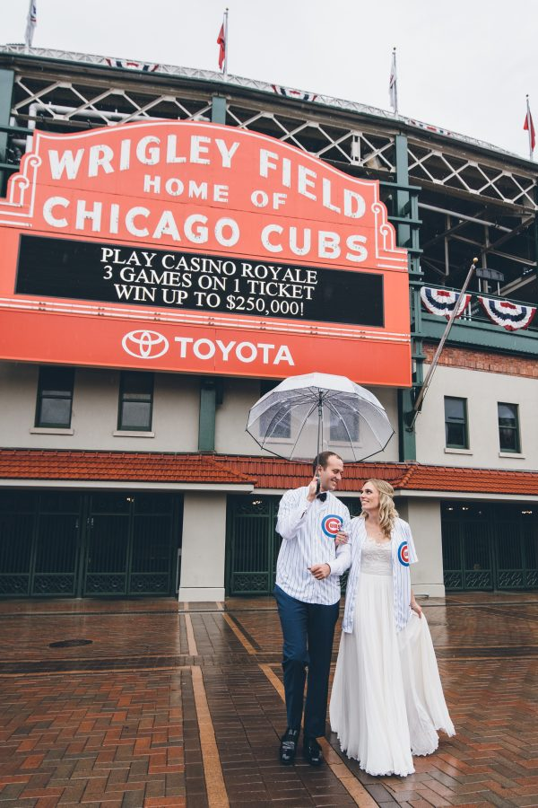 Rainy Day Chicago Wedding LondonHouse (21)
