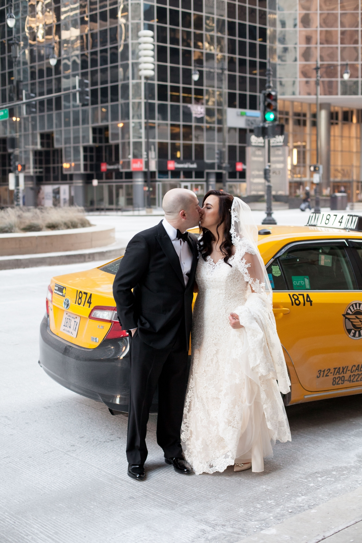 Chicago Wedding Photos Yellow Cab