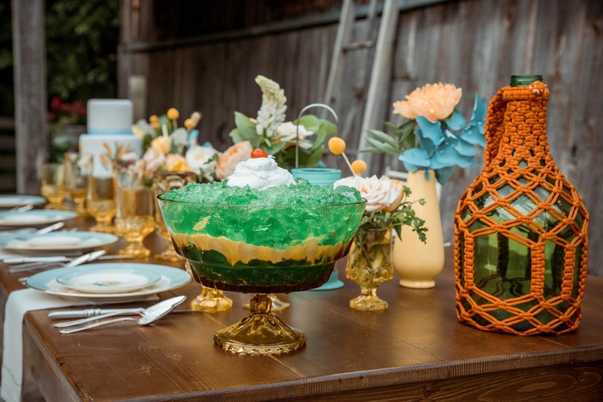Glass Grain Photography 1960s Wedding Inspiration 0114