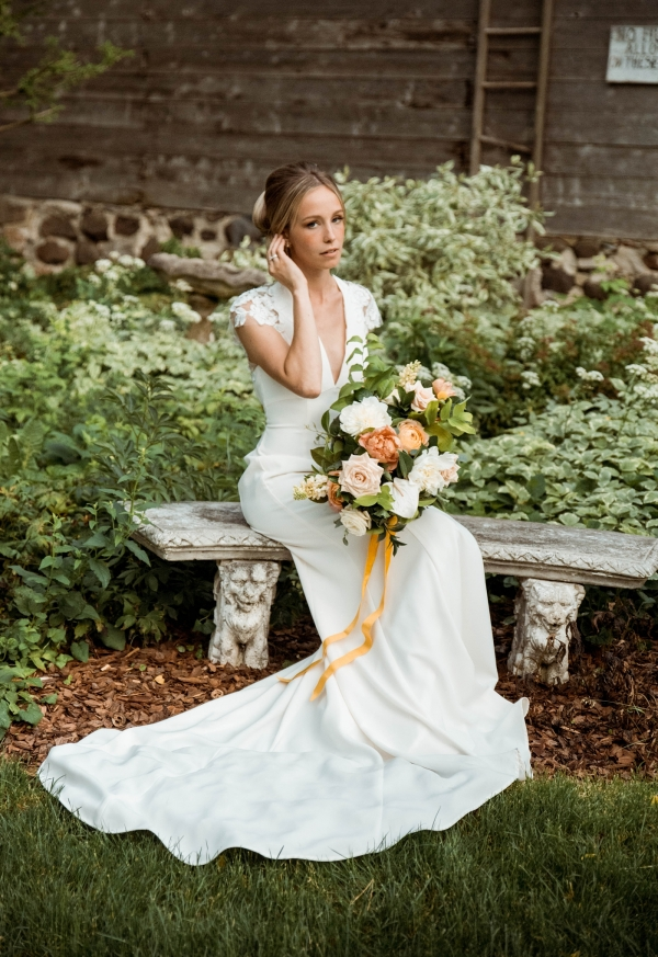 Glass & Grain Photography_1960s Wedding Inspiration_0150