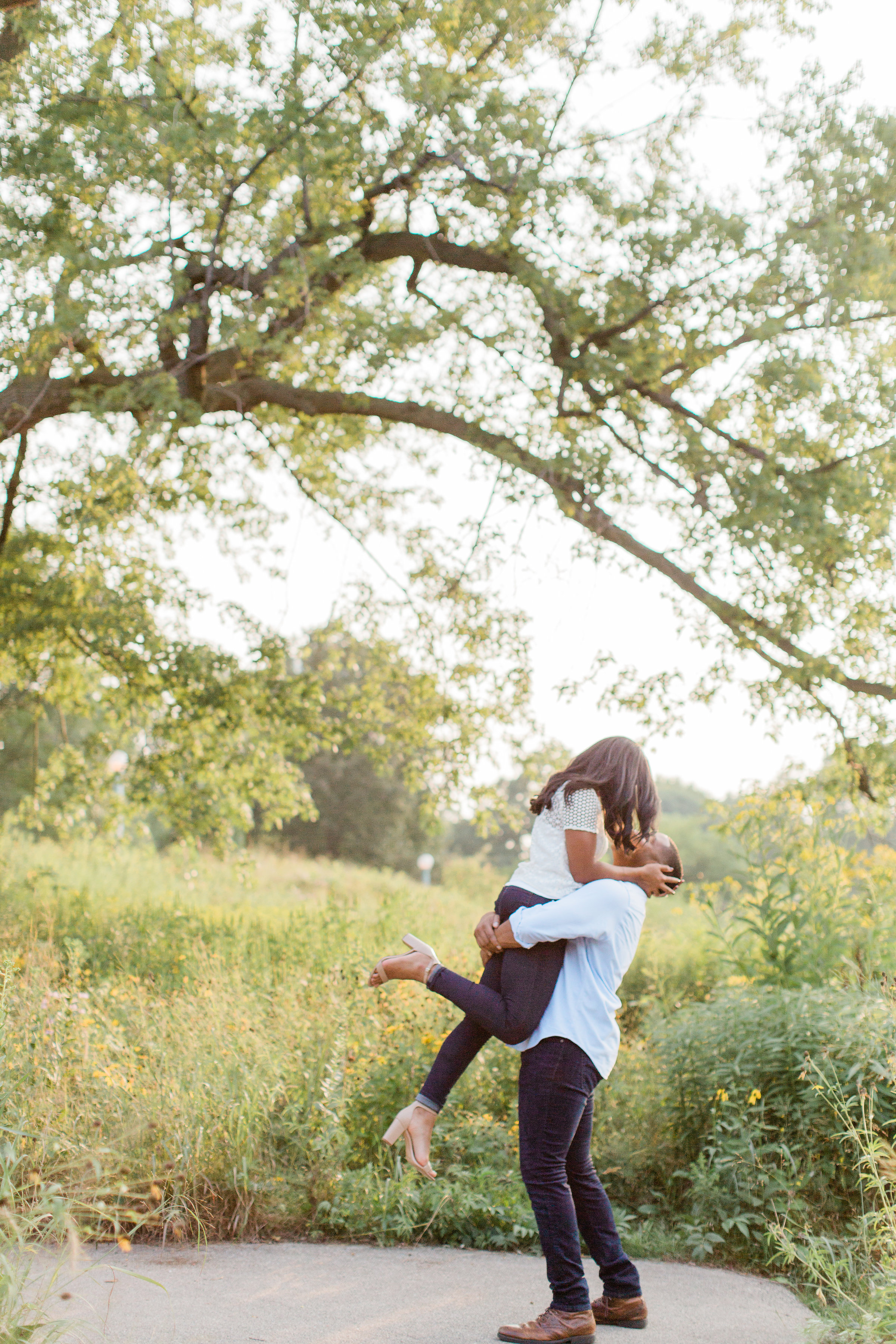Lincoln Park Engagement Session Photography by Lauryn (13)
