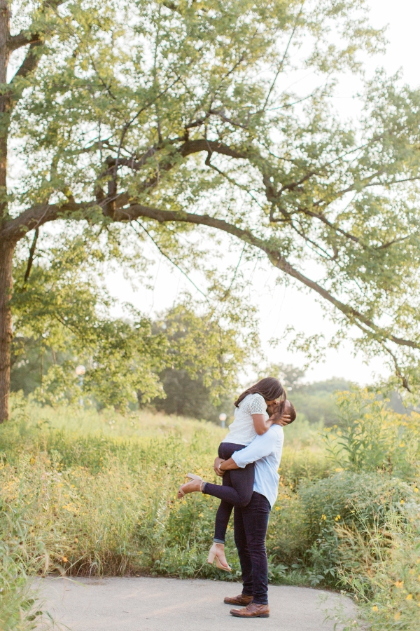 Lincoln Park Engagement Session Photography by Lauryn (14)