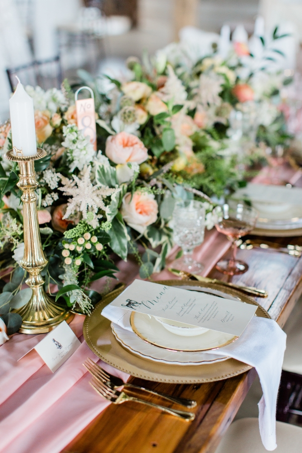 Romantic Pink and Gold Wedding Table Chicago Wedding (1)