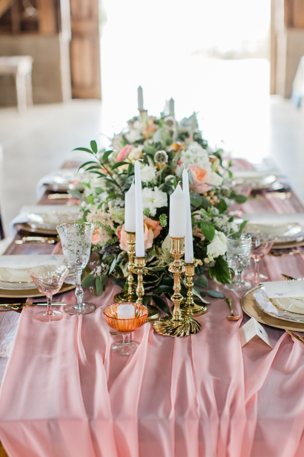 Romantic Pink and Gold Wedding Table Chicago Wedding (12)