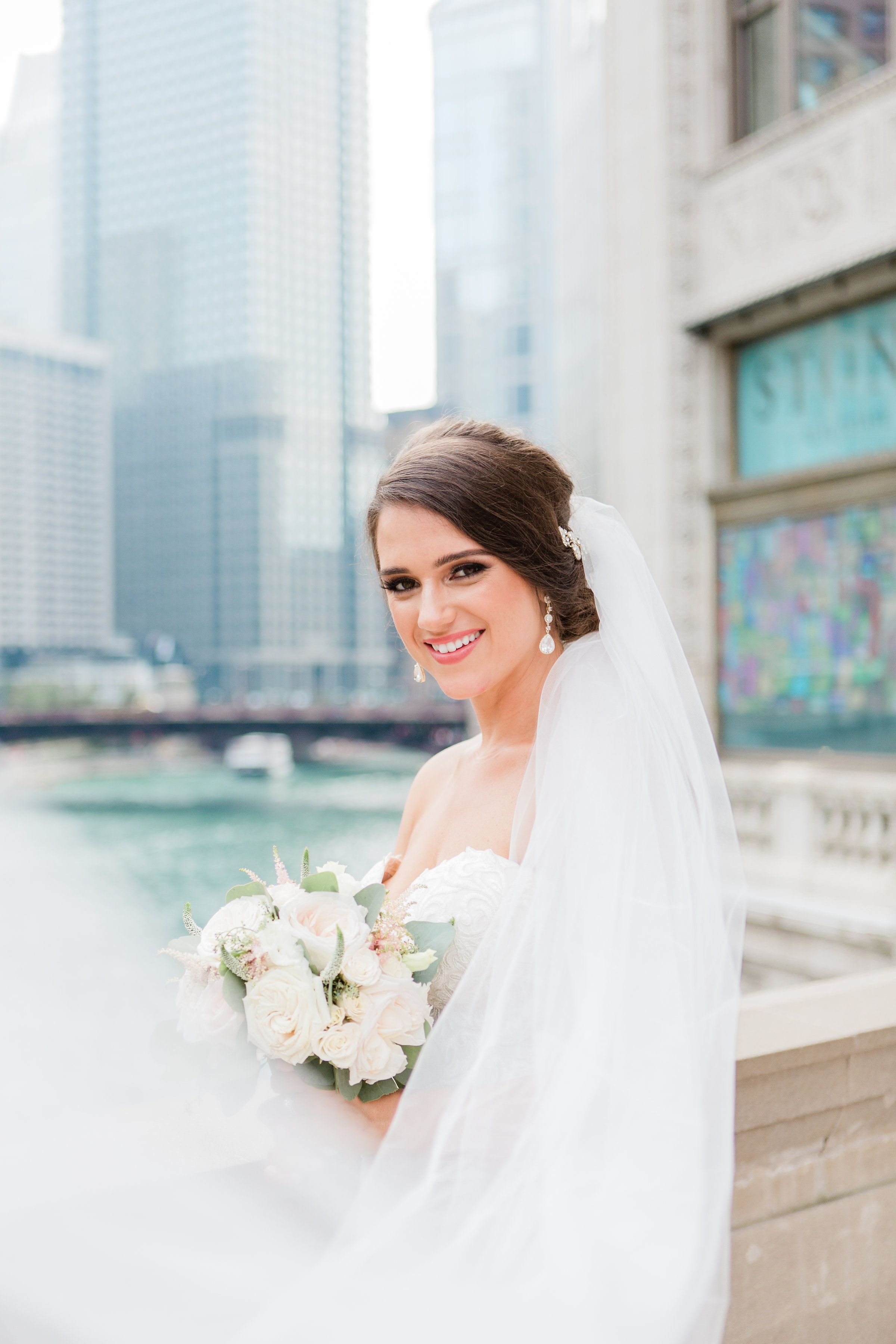 Tips for Posing for Wedding Photos Photography by Lauryn (1)