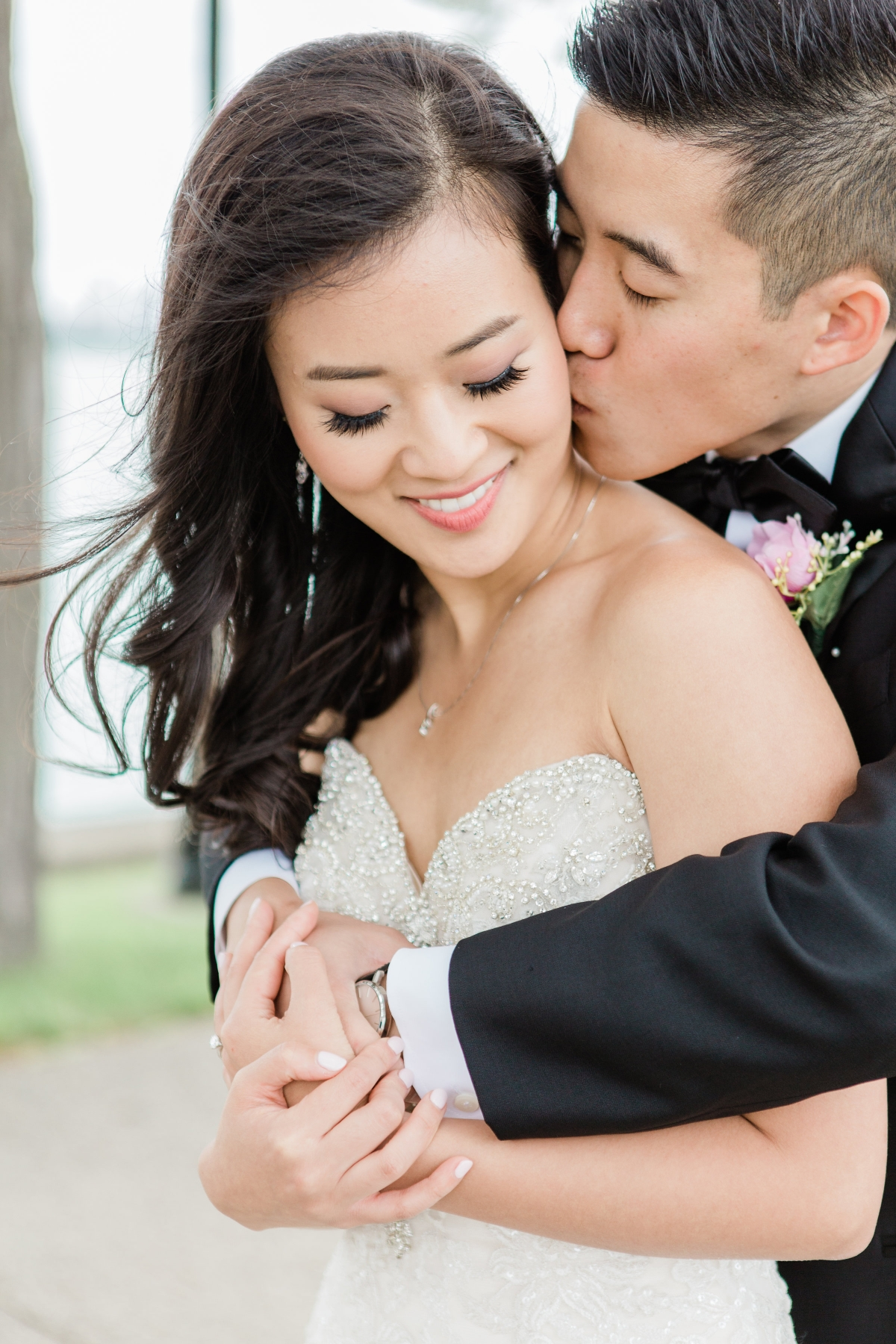 Tips for Posing for Wedding Photos Photography by Lauryn