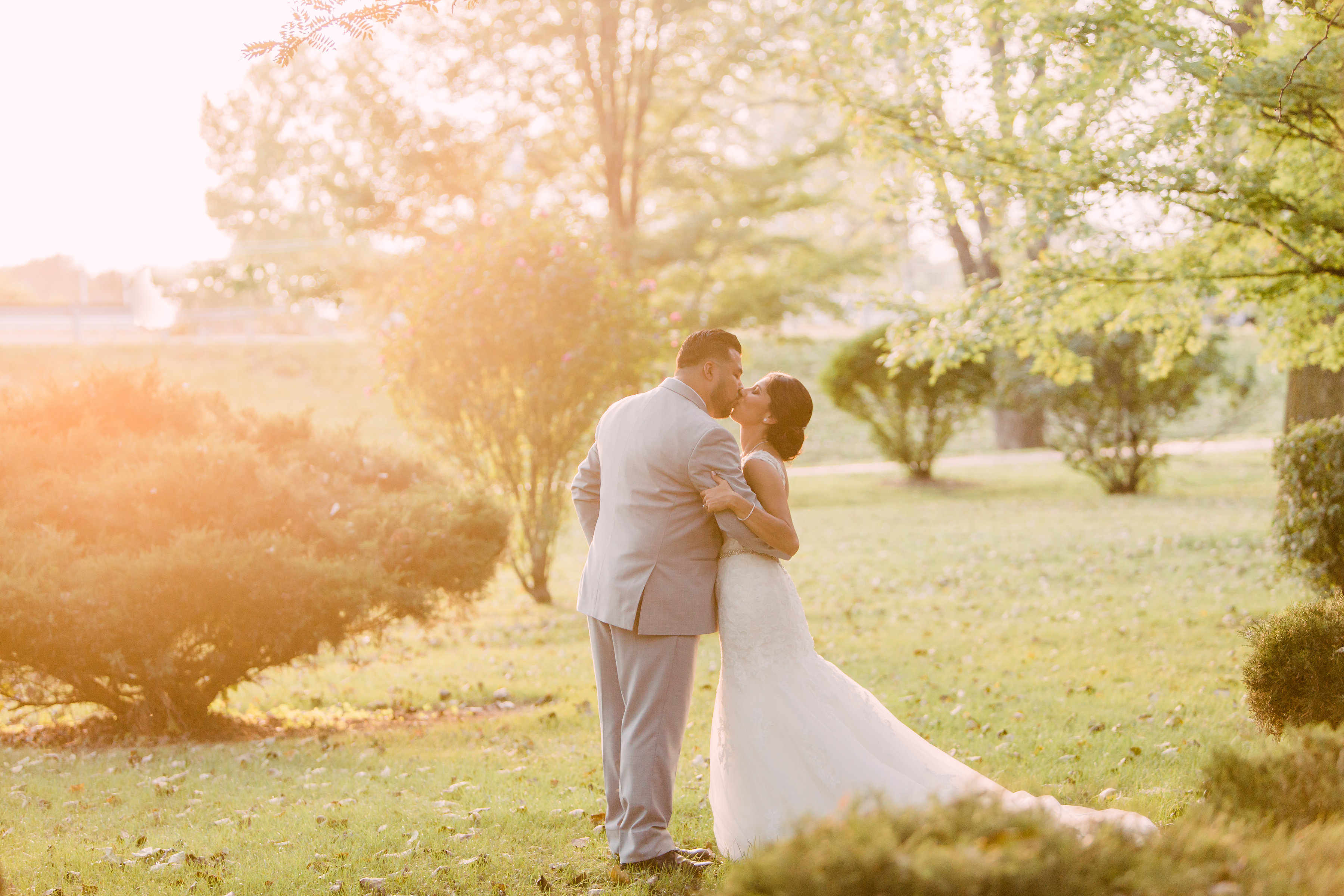 Tips for Posing for Wedding Photos Photography by Lauryn (5)