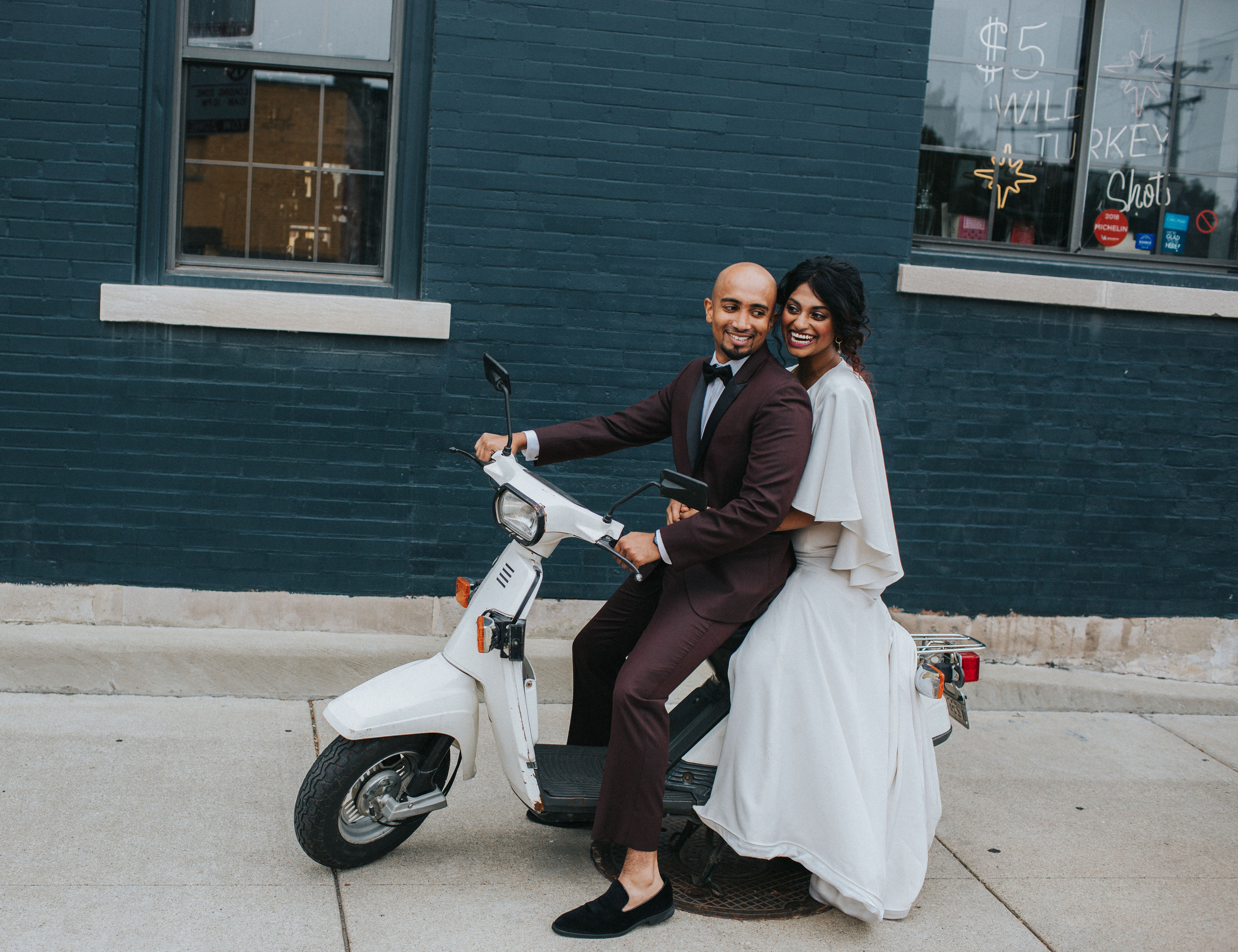 Warm Colorful Retro Mod Chicago Wedding Inspiration at The Duck Inn (35)