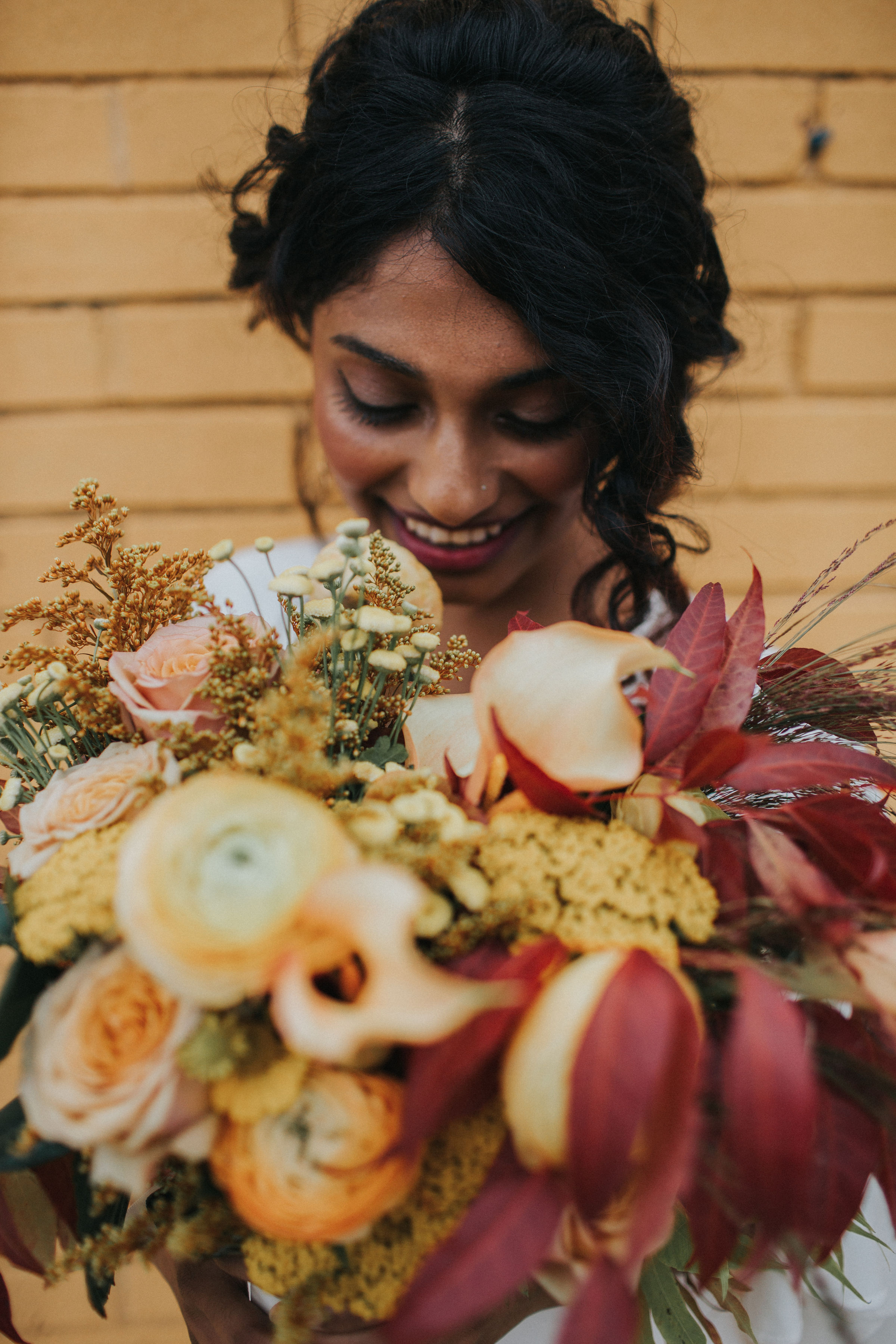 Warm Colorful Retro Mod Chicago Wedding Inspiration at The Duck Inn (55)