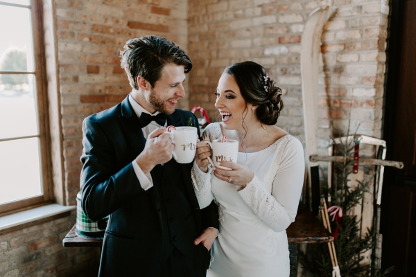 Cozy Chicago Christmas Wedding Inspiration (109)
