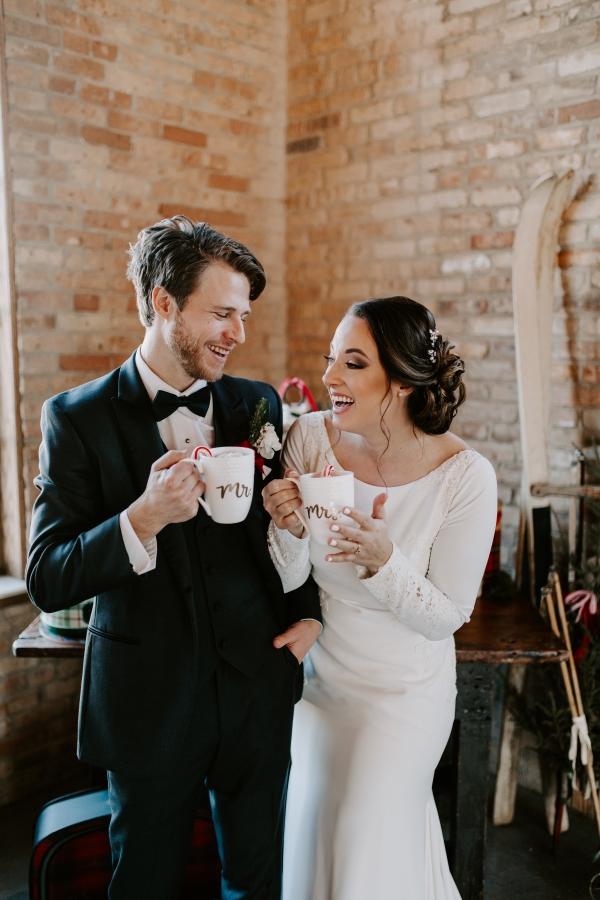 Cozy Chicago Christmas Wedding Inspiration (110)