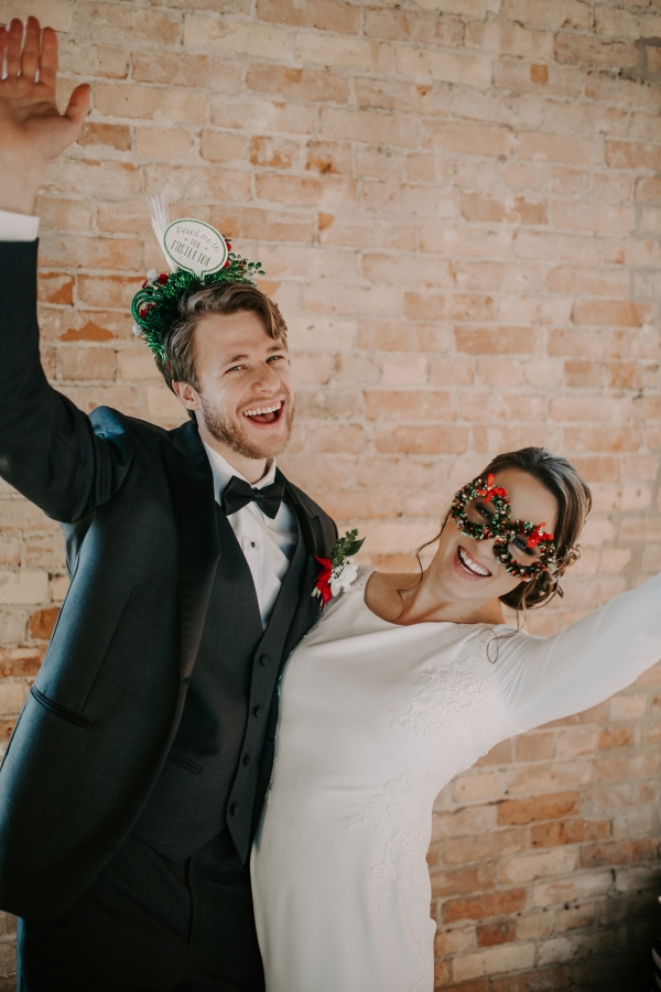Cozy Chicago Christmas Wedding Inspiration (111)