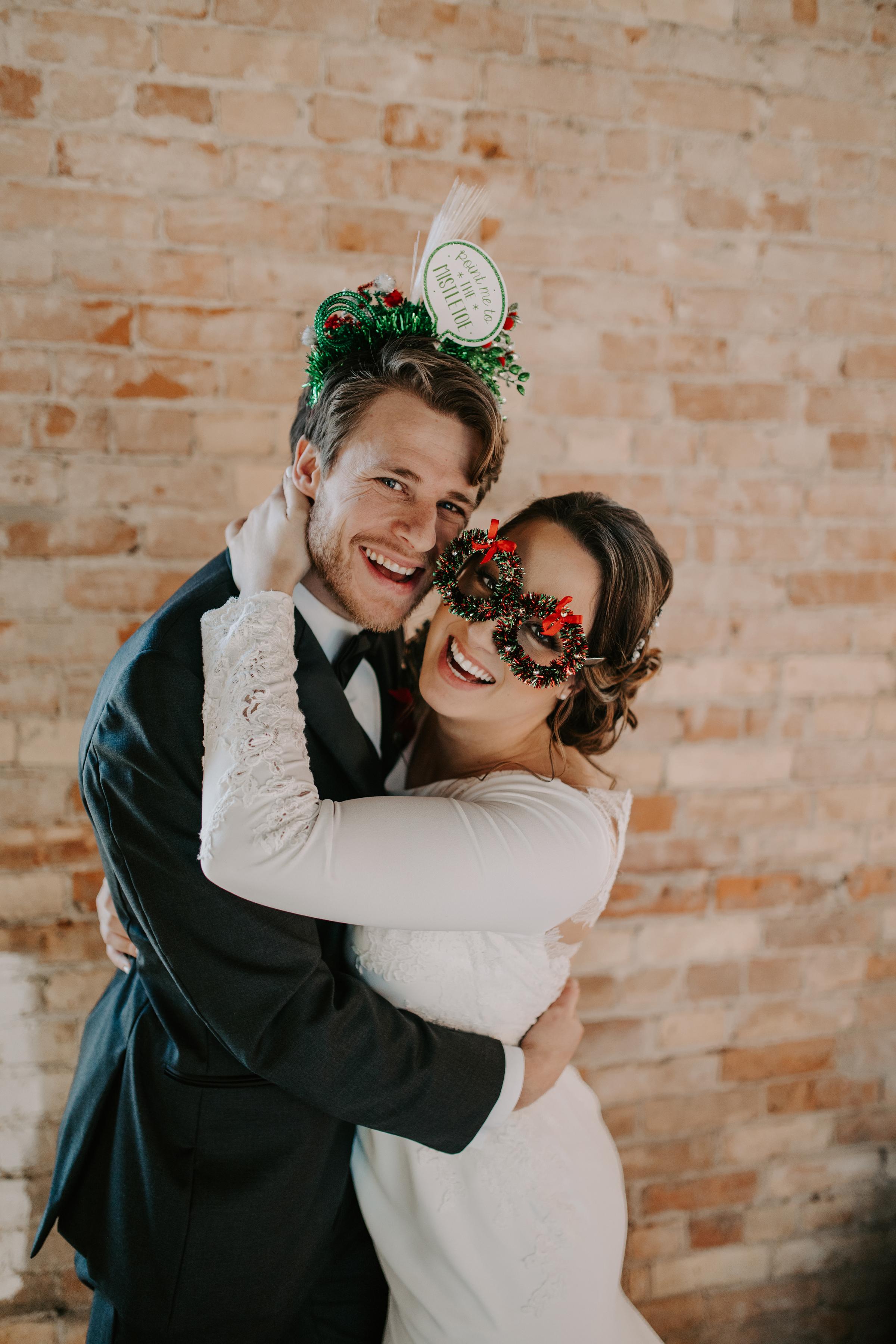 Cozy Chicago Christmas Wedding Inspiration (112)