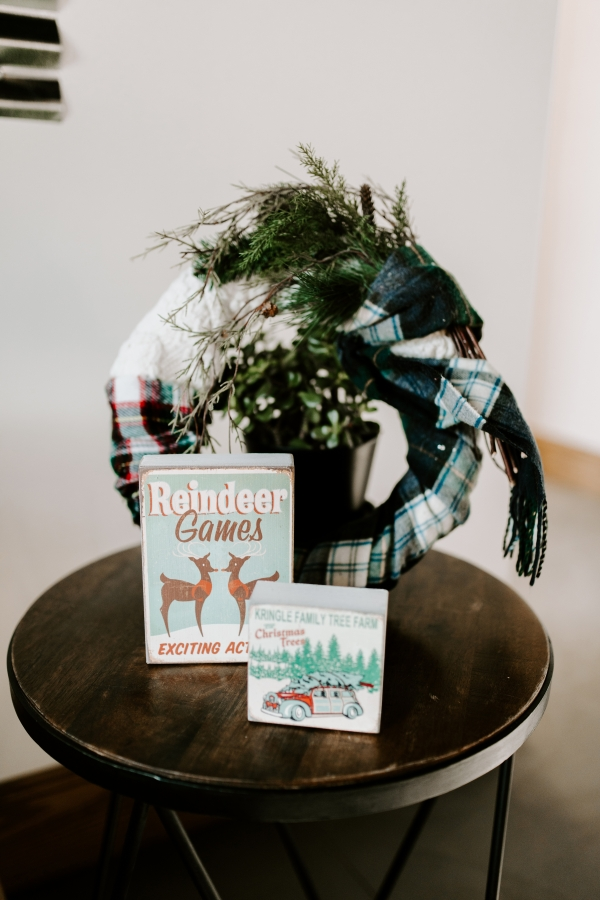 Cozy Chicago Christmas Wedding Inspiration (113)
