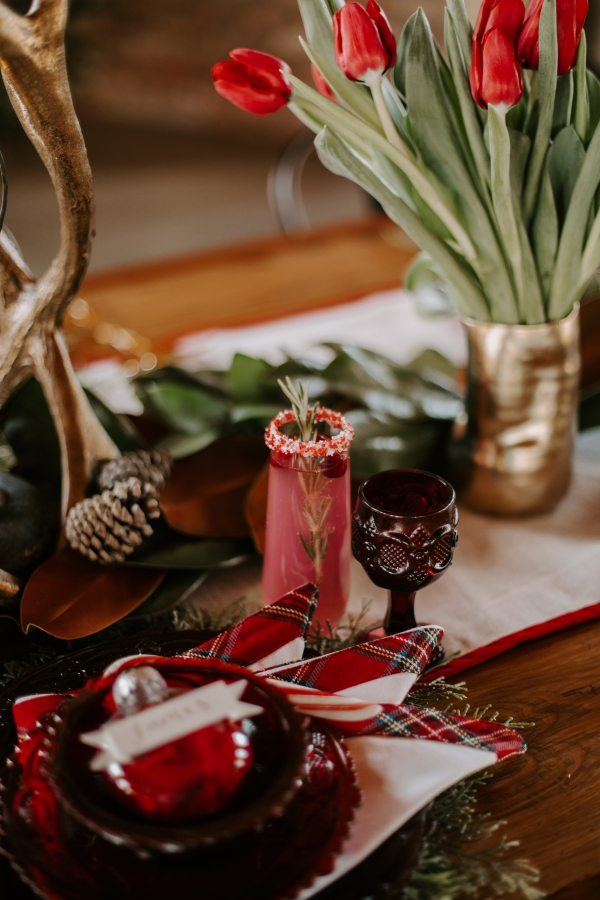 Cozy Chicago Christmas Wedding Inspiration (12)