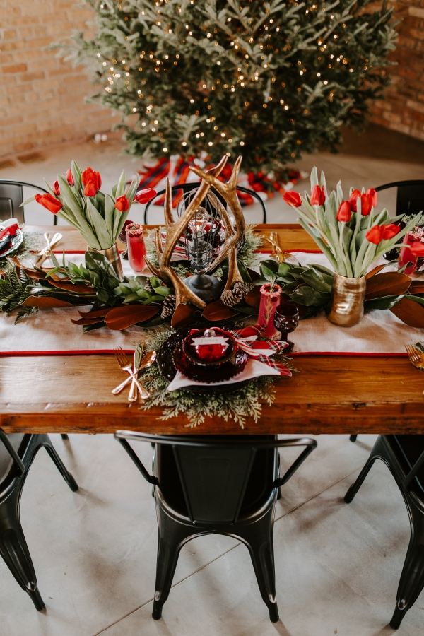Cozy Chicago Christmas Wedding Inspiration (13)