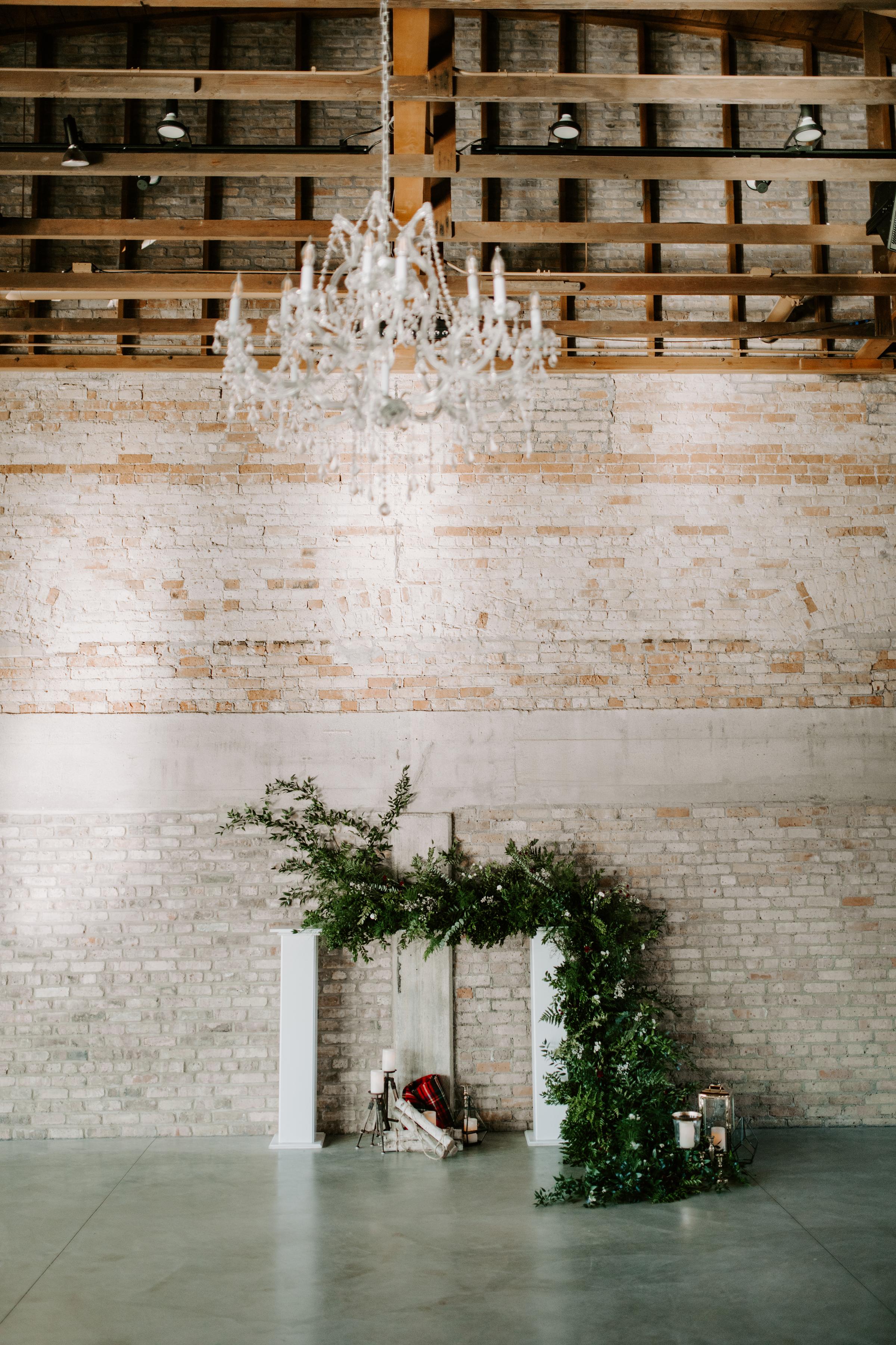 Cozy Chicago Christmas Wedding Inspiration (14)