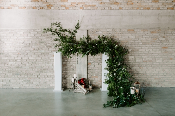 Cozy Chicago Christmas Wedding Inspiration (15)