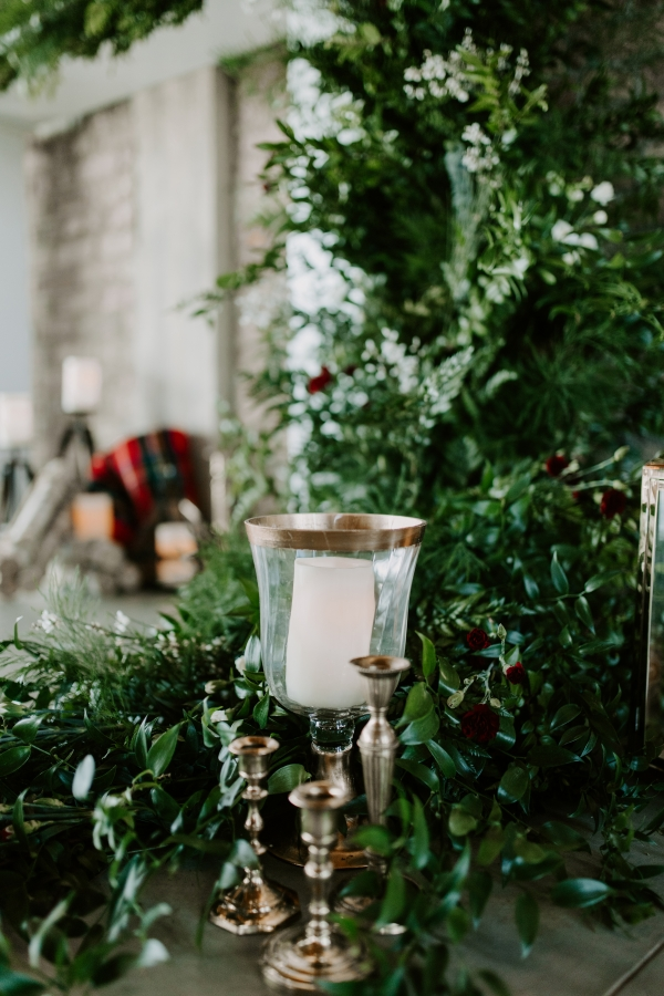 Cozy Chicago Christmas Wedding Inspiration (17)
