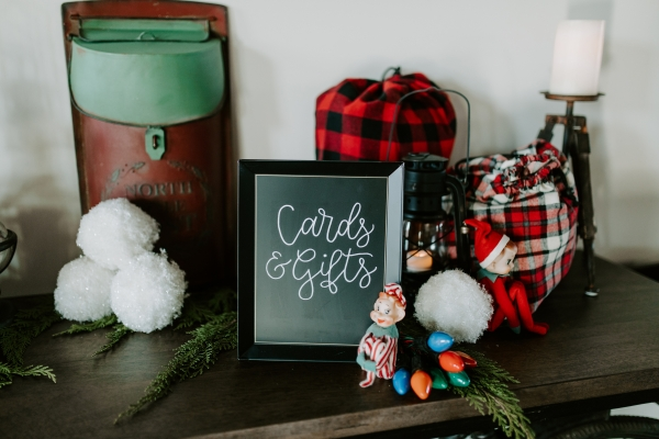 Cozy Chicago Christmas Wedding Inspiration (19)